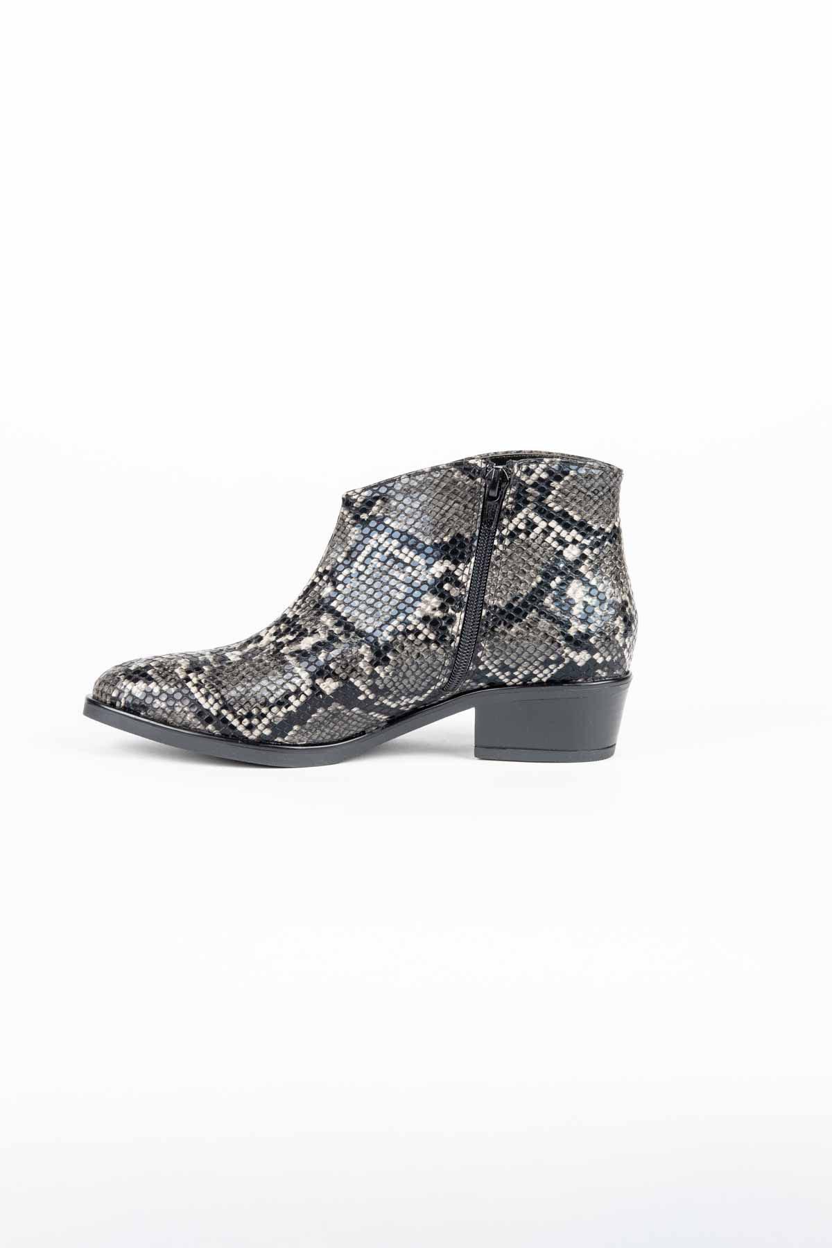 scarpa,grigio